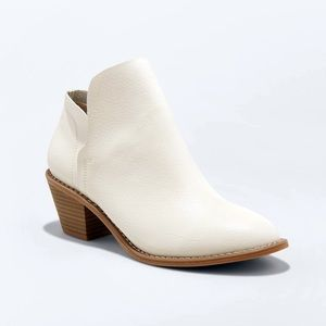 Universal Thread Indie Heeled Ankle Booties Boots